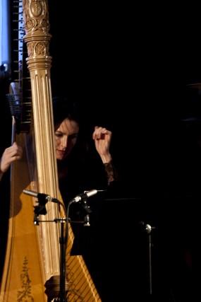 Harpist Jacqueline Kerrod